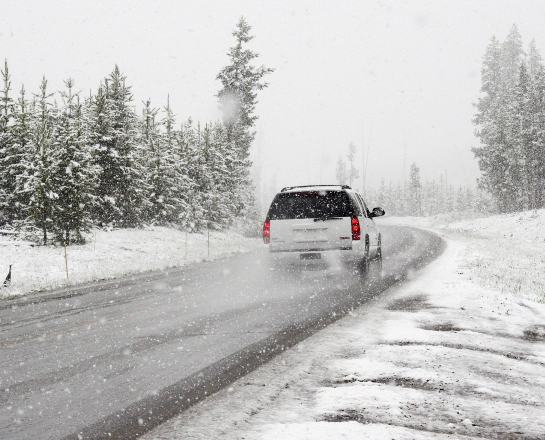 best snow driving tips